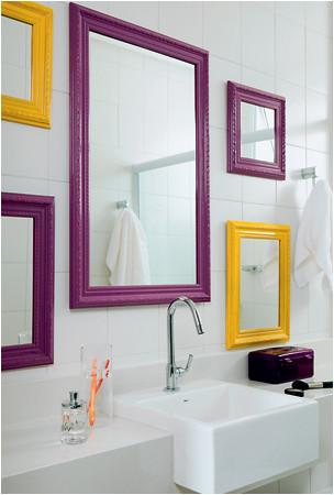 bancada com espelhos diversos