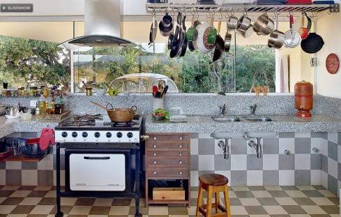 cozinha panelas penduradas casa e jardim