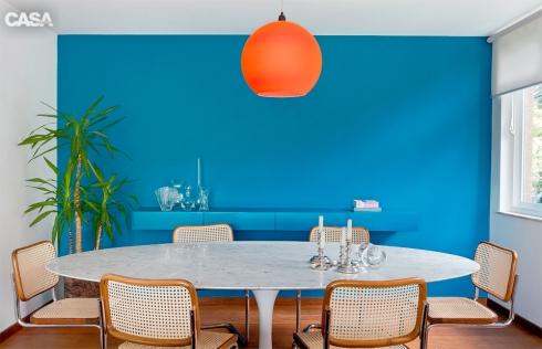 parede e aparador azul turquesa suite arquitetos casa claudia Fotos Salvador Cordaro